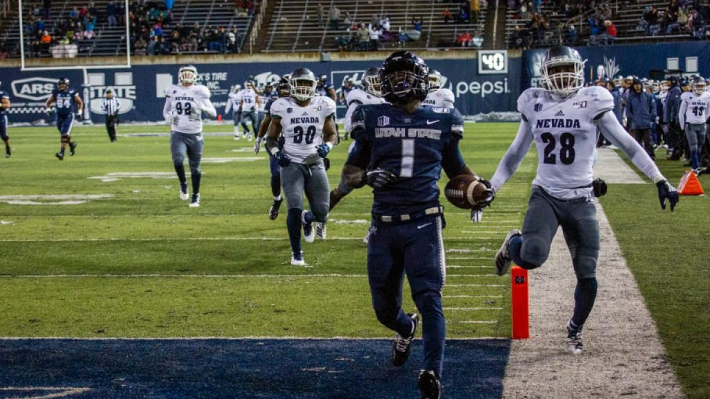 Gerold Bright runs the ball in for a touchdown against Nevada.